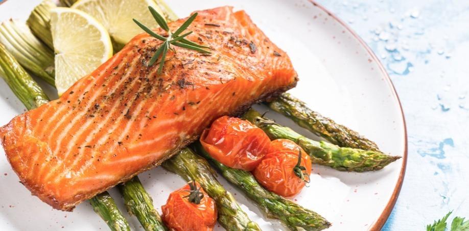 le saumon aux asperges du chef Tania